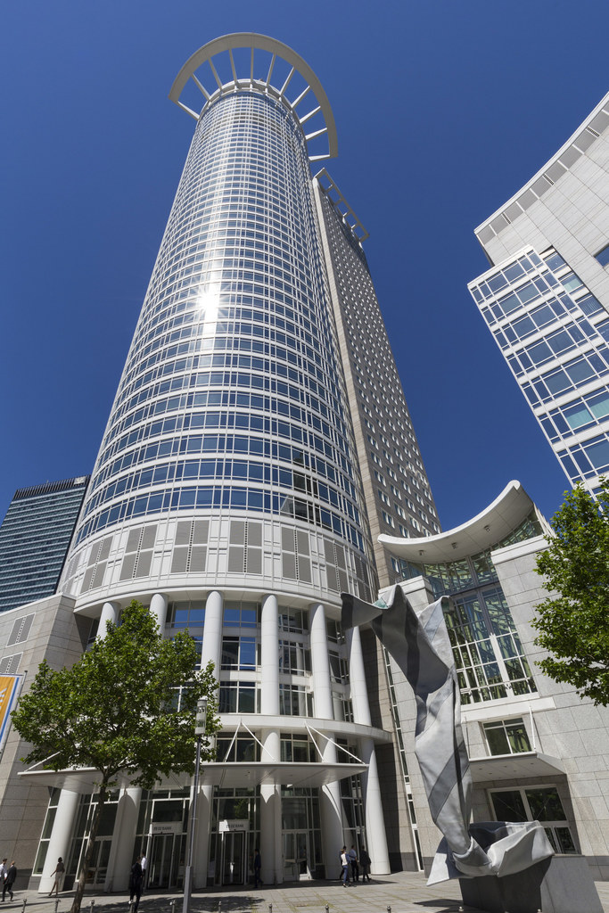 Westend Tower (DZ Bank, 208 meters)
