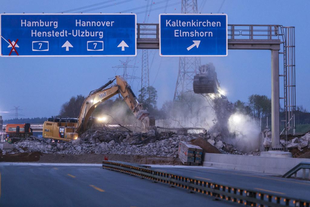 Brückenabbruch bei Nützen, A7