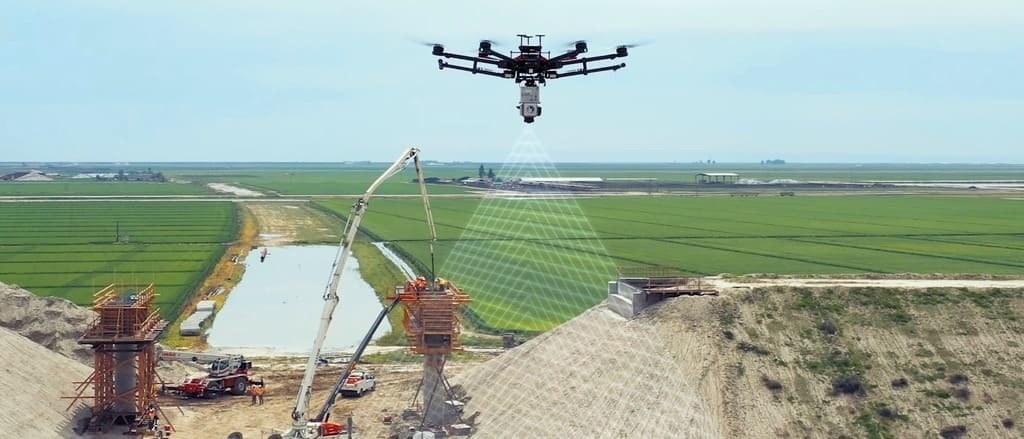 Drohnen erfassen Bauzustände im Überflug.